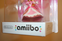 Amiibo princesse peach defecteux  (2)