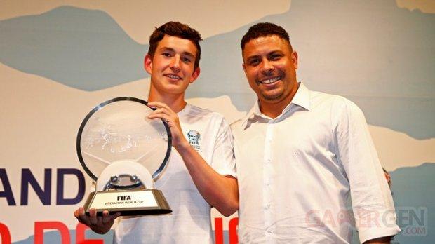 August Rosenmeier champion de Fifa