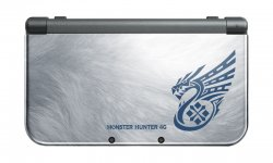 New Nintendo 3DS XL Monster Hunter 4 Ultimate 05.09.2014  (1)
