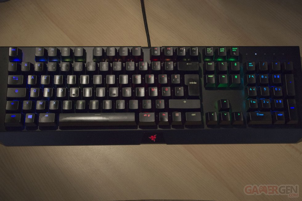 image razer blackwidow x chroma clavier m canique switches gamers gaming joueurs photo image. Black Bedroom Furniture Sets. Home Design Ideas