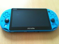 Unboxing deballage photo PSVita Aqua Blue (6)