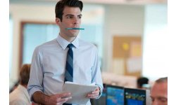 Zachary Quinto dans Margin Call