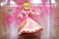 Amiibo princesse peach defecteux  (1)