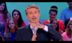 Antoine de Caunes s'excuse dans le Grand Journal