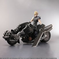 Final Fantasy VII Remake Edition Collector figurine Cloud Play Arts images (4)
