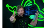 Kenny Omega : le catcheur rejoint officiellement la Team Razer
