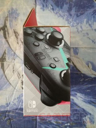 Manette Pro Controller Switch Xenoblade Chronicles 2 unboxing déballage 04 30 12 2017