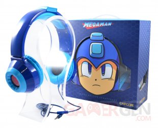 MegaMan Headphones Closed