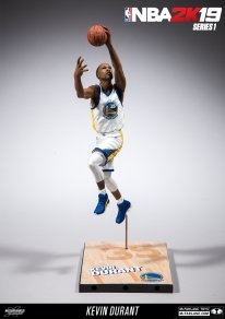 NBA 2K19 Figures Series 1 pic 2