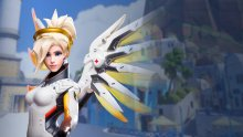 Overwatch Mercy Ange Blizzard Collectibles Statuette (1)