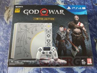 PS4 Pro Leviathan Grey collector God of War unboxing déballage 01 19 04 2018