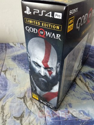 PS4 Pro Leviathan Grey collector God of War unboxing déballage 04 19 04 2018