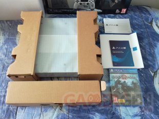 PS4 Pro Leviathan Grey collector God of War unboxing déballage 09 19 04 2018