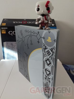 PS4 Pro Leviathan Grey collector God of War unboxing déballage 43 19 04 2018