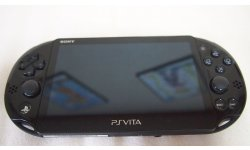 PSVita 2000 Slim deballage Unboxing Photo Maison Console 10.10.2013 (15)