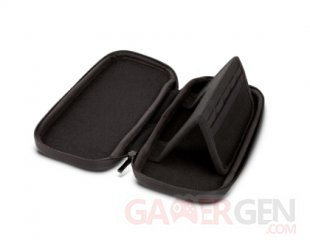 RS7937 1515657 01 NSW Stealth Case Witcher3 2 Open P