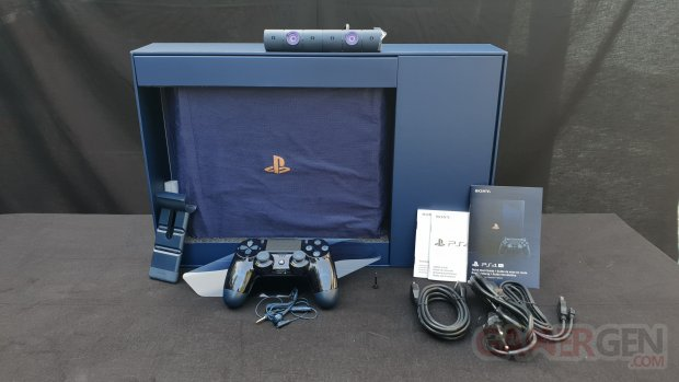 Unboxing PlayStation 500 million Limited edition (36) 1