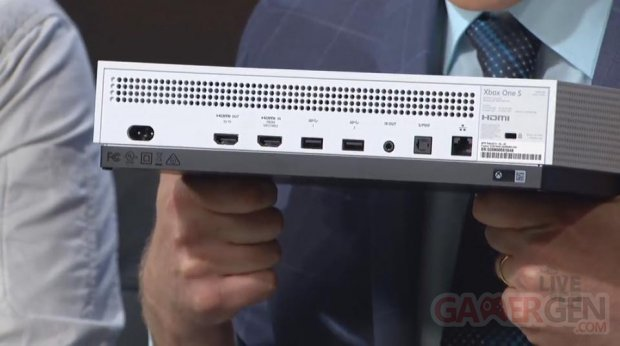 Xbox One S arrie?re